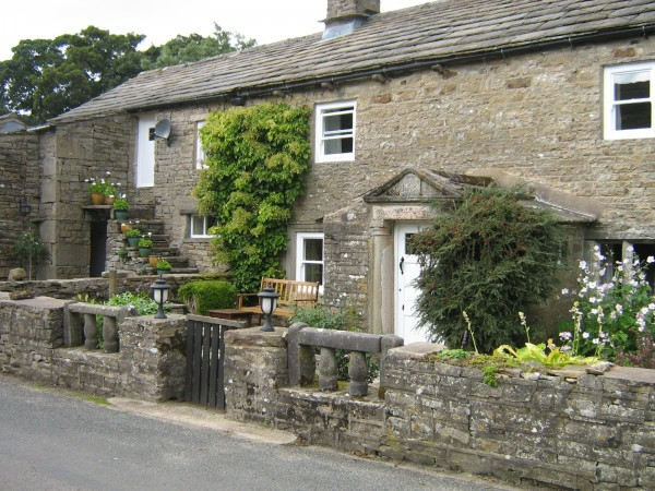 High Blean Raydaleside Askrigg Leyburn, HighBlean is a B&B just out side Bainbridge and looks over Semerwater and is close to Hawes